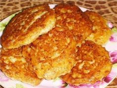 We present to your attention the recipe of the traditional dish, belonging to Bakshir cuisine. Vegetable Pancakes, Potato Vegetable, Romanian Food, Valentines Day Food, Homemade Sauce, Russian Recipes, Fritters, Macaroni And Cheese, Breakfast Recipes
