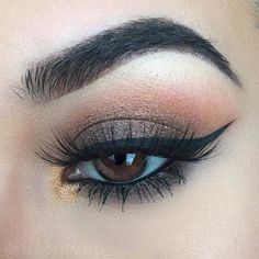 Gorgeous Makeup: Tips and Tricks With Eye Makeup and Eyeshadow – Makeup Design Ideas Blue Eye Makeup, Eye Makeup Tips, Smokey Eye Makeup, Makeup Inspo, Eyeshadow Makeup, Makeup Inspiration, Eyeliner, Beauty Makeup, Face Makeup