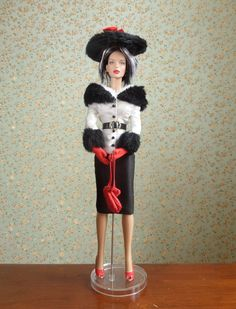 Fashionably Suited Peggy [Tonner 2012 Peggy Harcourt Wigged Basic (T12DDBD02) doll; Tonner Stacked Deck Spade (T15FTSD04) wig; Tonner Luncheon Date (T13DDDD02) outfit]