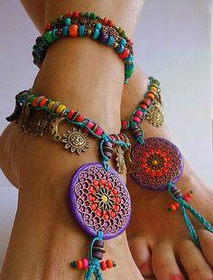 Hoi! Ik heb een geweldige listing gevonden op Etsy https://www.etsy.com/nl/listing/209424986/boho-barefoot-sandals-hippie-flower