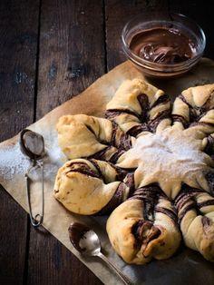 Schokoladige Hefeblume: Dieser Hefeteig wird mit Nutella verfeinert!