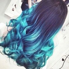 Imagen de hair, blue, and hairstyle