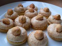 MYSLIVECKÉ KNOFLÍKY Czech Recipes, Russian Recipes, Christmas Sweets, Christmas Baking, Sweet Desserts, Sweet Recipes, Croatian Recipes, Holiday Cookies, Desert Recipes