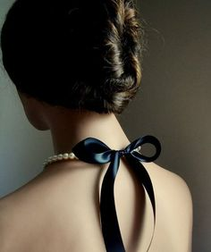dustjacketattic:  black bow | by casa moda