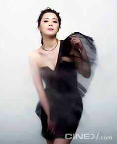 Cine21, No. 802, 2011.05, Seo Young Hee
