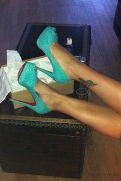 love! turquoise snake skin heels!!!