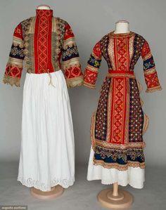 Augusta Auctions-платье в русском стиле 1900год