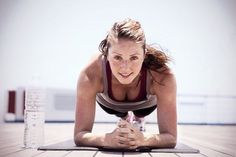 The latest tips and news on Tabata Workouts are on POPSUGAR Fitness. On POPSUGAR Fitness you will find everything you need on fitness, health and Tabata Workouts. 10 Minute Ab Workout, 10 Minute Abs, Sport Fitness, Health Fitness, Fitness Expert, Workout Bauch, Killer Abs, Tabata Workouts, Kettlebell Circuit