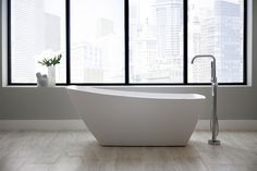 Unexpected. Comfortable yet elegant. The Stella™ Freestanding Bath by @JacuzziOfficial paired with the Edenton Freestanding Tub Filler by Mirabelle ensures a sumptuous experience. Edenton bears a contemporary style that is immensely livable. The collection features strong lines and a sense of presence that define each piece.