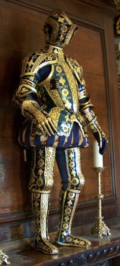 Armour of George Clifford, 3rd Earl of Cumberland (1558 - 1605). Metropolitan Museum of Fine Art, NYC.The earl was a 2x great grandson of John of Gaunt, son of Edward III, through his mother, Katherine Nevillle, Baroness Hastings, and grandson of Richard Neville, the KIngmaker.