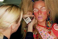 Martin Parr, Paris, La mannequin Amy Weston, preparation pour le défilé Dior, 2001