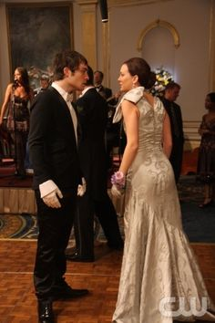 """Hi, Society"" -- Pictured  (L-R) Ed Westwick as Chuck  and  Leighton Meester as Blair  in Gossip Girl on The CW. Photo Eric Leibowitz/The CW © 2007 The CW Network, LLC.  All Rights Reserved"