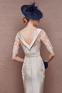 Vestido color crema en mikado y encaje modelo 6628 de It's My Party - Boutique Clara