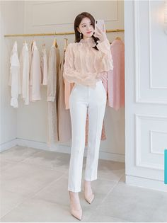 Korean Girl Fashion, Korean Fashion Trends, Ulzzang Fashion, Japanese Fashion, Cute Fashion, Fashion Pants, Fashion Outfits, Preppy Outfits, Classy Outfits