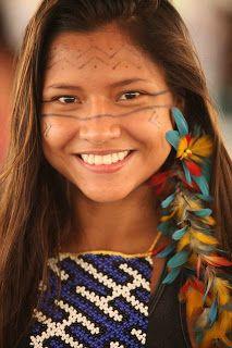 Apoena, so beautiful ! Native American Girls, Native American Beauty, American Indians, Beautiful Smile, Beautiful Children, Pretty People, Beautiful People, Beautiful Women, Beauty Around The World