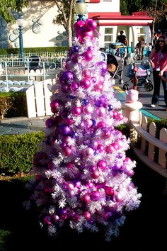 Minnie mouse pink purple Christmas tree little one would love this! LOVe the colors! Purple Christmas Decorations, Purple Christmas Tree, Beautiful Christmas Trees, Christmas Tree Themes, Holiday Tree, Christmas Love, Christmas Tree Ornaments, Christmas Holidays, Disney Decorations
