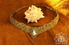 tiara chacra em macramé  fio encerado,labradorite,contas de bronze macramé