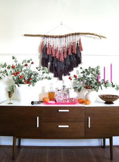 I created this DIY for my bohemian-inspired Friendsgiving party on Sunday.It would make a great year-round wall hanging, could be done in more festive colors for a more holiday look, or even done on a larger scale for an impactful wedding detail. Diy Tassel, Tassels, Diy Wall Art, Wall Decor, Diy And Crafts, Arts And Crafts, Yarn Wall Hanging, Macrame Wall Hangings, Decoration
