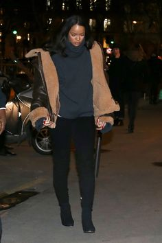 Rihanna Is a Winter Street Style Hit in This Cool Parisian Label - Fashion Week Winter Fashion Outfits, Autumn Winter Fashion, Fall Winter, Summer Fashions, Fashion 2016, Summer Fall, Fashion Black, Holiday Outfits, Winter Wear