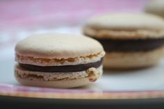 Macarons - A detailed recipe with photos of the process and tips to succes Easy Peasy, Almond Flour, Food Photo, Macarons, Tips, Desserts, Recipes, Photos, Rezepte