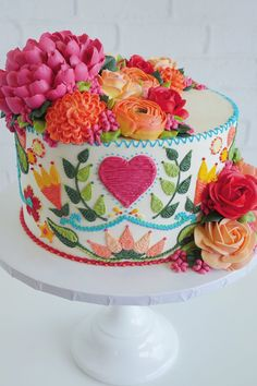 These Tasty Cakes are Decorated to Look Like Embroidered Dresses Embroidered cakes by Leslie Vigil // cake art // buttercream flowers Gorgeous Cakes, Pretty Cakes, Cute Cakes, Amazing Cakes, Beautiful Cake Designs, Beautiful Birthday Cakes, Cake Cookies, Cupcake Cakes, Owl Cupcakes