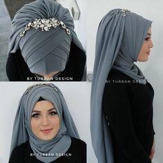 Hijab hijab k new style Street Hijab Fashion, Arab Fashion, Islamic Fashion, Muslim Fashion, Bridal Hijab Styles, Hijab Wedding Dresses, Turban Hijab, Stylish Hijab, Hijab Chic