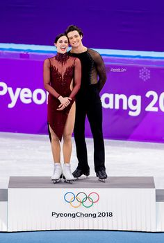 Full credits to owner Figure Skating Olympics, Figure Skating Outfits, Virtue And Moir, Tessa Virtue Scott Moir, Ice Skating Quotes, Tessa And Scott, Ice Dance, Winter Olympics, Role Models