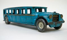 Arcade Fageol Cast Iron Safety Coach Original Blue, Black, Gold and Gray Paint, Bus Circa Brilliant blue paint and great form on this early antique cast iron Arcade large Fageol Bus. Metal Toys, Tin Toys, Wood Toys, Arcade, Vintage Trucks, Vintage Toys, Toys R Us Kids, 1980 Toys, Buses For Sale