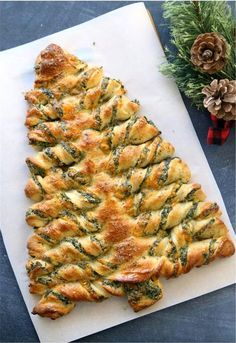 Christmas tree spinach dip breadsticks These Christmas tree breadsticks are stuffed with spinach dip! Such a fun appetizer to take to a holiday party. The post Christmas tree spinach dip breadsticks appeared first on Fingerfood Rezepte. Christmas Snacks, Xmas Food, Christmas Cooking, Christmas Finger Foods, Christmas Food Ideas For Dinner Meals, Christmas Dinner Sides, Easy Christmas Dinner, Christmas Tree Food, Christmas Side Dishes