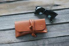 Capitan leather glasses case