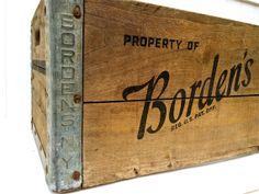 Vintage Borden's Wooden Milk - Dairy Crate