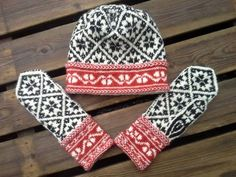 Hat and mittens with Latvian pattern: