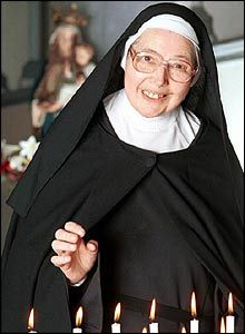 She is my favorite nun...I adore her and I admire her....I feel that I am, on the inside, her long, lost twin sister....Sister Wendy Beckett, art historian...she is known to have been one of the few nuns that went to Oxford University...she obtained one of the highest GPA scores in the history of Oxford University!   She is amazing...and so very interesting!
