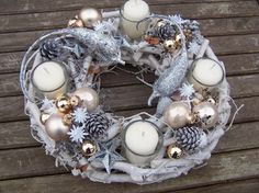 advent wreath Christmas Advent Wreath, Christmas Door Decorations, Christmas Candles, Christmas Centerpieces, Diy Christmas Ornaments, Advent Wreaths, Christmas Is Coming, Christmas Love, Winter Christmas