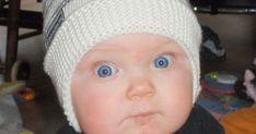 SMURFEPLUTT-LUE Av Smurfa Denne luen er strikket i Pickles Merino Fine Merino eller Drops Ekstra fine Merino på pinne 3,5. Gir ... Crochet Hats, Beanie, Girly, Baby, Knitting Hats, Women's, Girly Girl, Beanies, Baby Humor