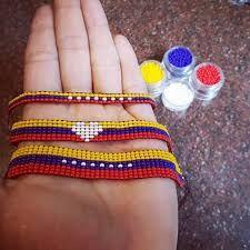 pulseras en mostacilla de venezuela - Buscar con Google Beads, Bracelets, Google, Handmade, Clothes, Molde, Loom Bracelets, Stud Earrings, Beading