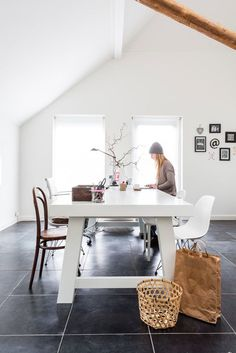 Soortgelijke vloer in PVC tegels beschikbaar bij woningtypes E t/m H, Woonsfeer Design