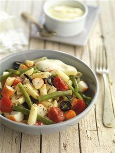 . Ensalada de macarrones con judías verdes #con #Ensalada #Ensalada de macarrones #judías #macarrones #verdes Best Pasta Recipes, Sauce Recipes, Penne, Cobb Salad, Risotto, Potato Salad, Spaghetti, Ethnic Recipes, Food