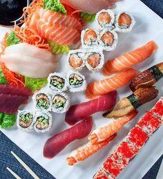 Sushi Co, Veggie Sushi, Sashimi Sushi, Sushi Buffet, Sushi Platter, Cute Food, Good Food, Yummy Food, Sushi Recipes