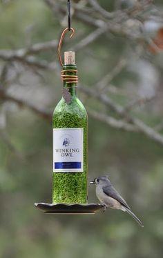 Wine Bottle Crafts Projects   Wine Bottle Bird Feeder
