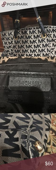 MICHAEL KORS LARGE TOTE SHOULDER BAG This is a used Michael Kors tote bag it shows signs of wear please check the pictures carefully. MICHAEL Michael Kors Bags Totes