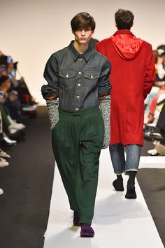 Pushbutton Seoul Fall 2017 collection.