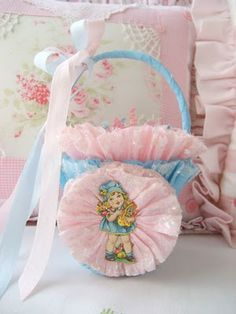 Miss Rhea's: Easter Basket Swap Tutorial