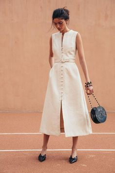 The Pretty Summer Trend Everyone Is Already Googling - Gia House Dress – Natural Source by simplicatedjewelry - Dress Outfits, Casual Dresses, Fashion Dresses, Dress Up, Summer Dresses, Elegant Summer Outfits, Dress Work, Modest Fashion, Maxi Dresses