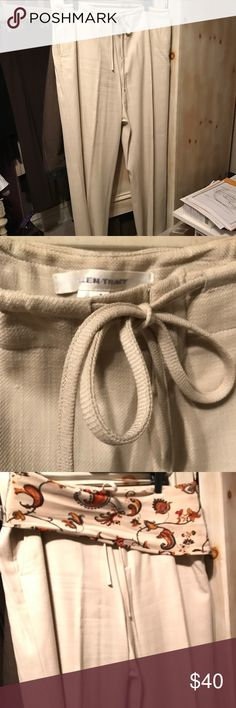 Ellen Tracy beige drawstring wide leg slacks Is there Ellen Tracy beige cotton zip front drawstring side pockets wide leg slacks size extra large they do not come with the belt the belt is an extra Eileen Fisher item it's 100% silk 92 inches long 7 inches wide silk scarf that makes a cutesoft Belting for any of your jeans or slacks Bring in Somers nice to add a touch of color it's $55 Ellen Tracy Pants Wide Leg