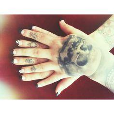 Black nails @narhabeaudet