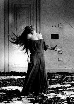Pina Bausch dancing ♥ Wonderful! www.thewonderfulworldofdance.com
