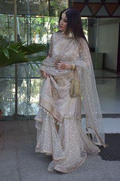 Designer Dresses for teens Pakistani Wedding Outfits, Pakistani Wedding Dresses, Pakistani Dress Design, Bridal Outfits, Pakistani Fashion Party Wear, Indian Designer Outfits, Indian Outfits, Designer Dresses, Alternative Wedding Dresses