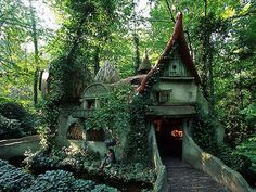 This house can be found in the Fairy Tale Forest of Efteling, a fantasy-world attraction in the Netherlands. It really seems like the house ...