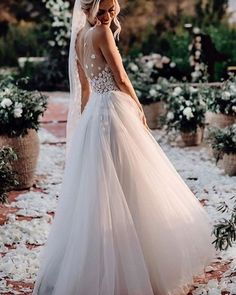 this boho bridal gown with tulle skirt and lace v neck design,perfect for your destination Wedding ,beach Wedding ,summer Wedding ,boho Wedding ! you will be an elegant and graceful bride at that special moment! V Neck Wedding Dress, Applique Wedding Dress, Tulle Wedding, Boho Wedding Dress, Wedding Gowns, Wedding Bride, Peacock Wedding, Garden Wedding, Wedding Hair